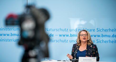 Ministerin Schulze