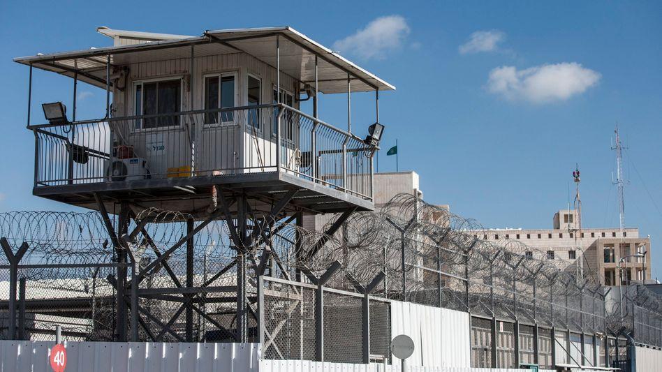 Gefängnis in Israel: Etwa 4700 Palästinenser sitzen in israelischen Haftanstalten
