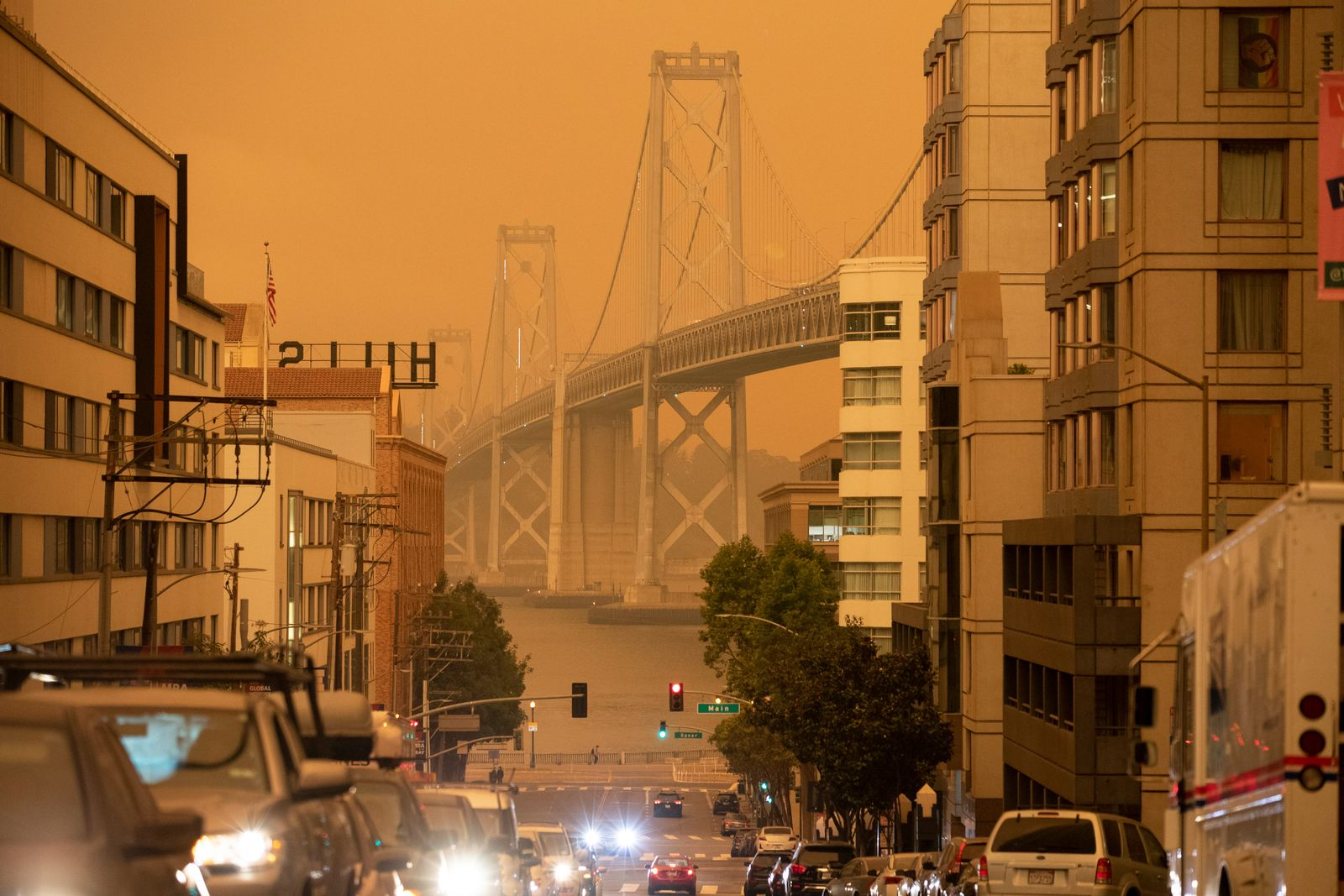 Smoke from California wildfires darkens the sky in San Francisco