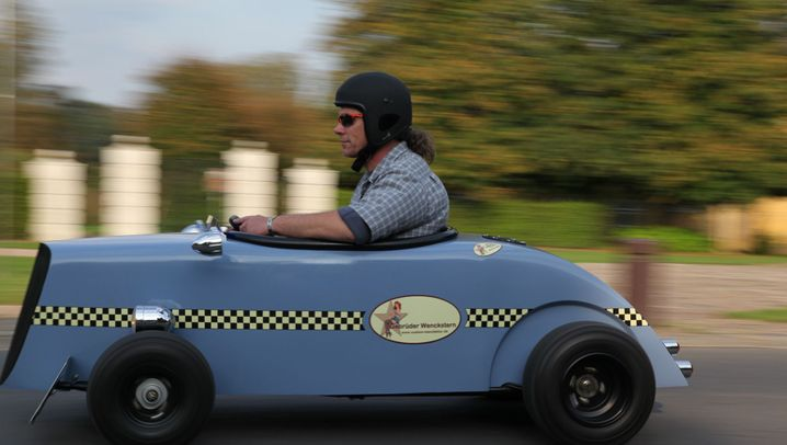 Photo Gallery: Hot Rods Get Street Legal