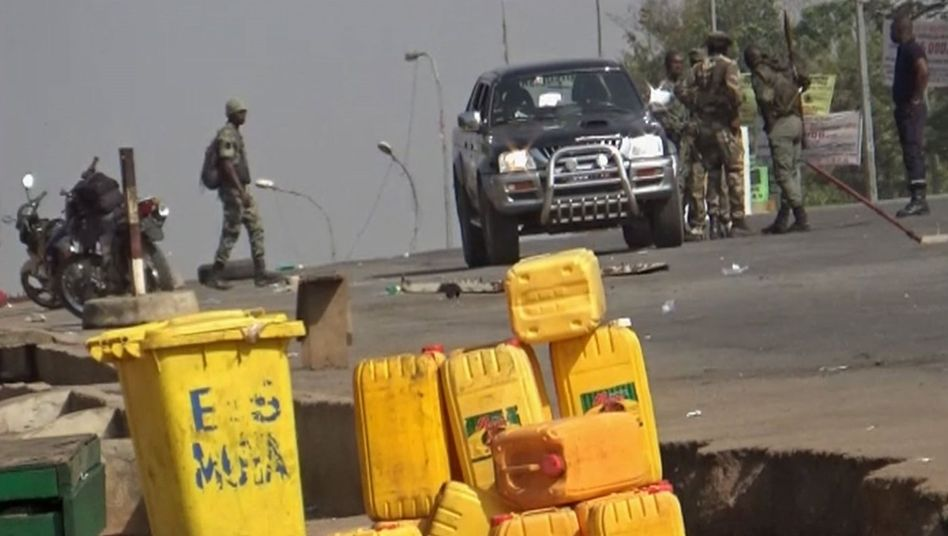Meuternde Soldaten in Bouaké