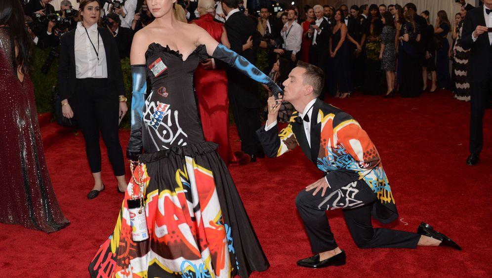 Ärger wegen Moschino-Kleids: Katy Perrys Kostümparade