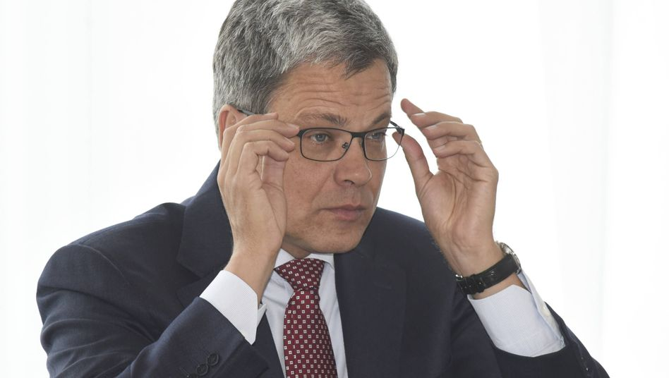 Manfred Knof (Archivbild): Enge Mitarbeiter bei der Deutschen Bank wundern sich, wie wenig er in der Lage ist, die eigenen Leute mit Soft Skills durch harte Zeiten zu lotsen