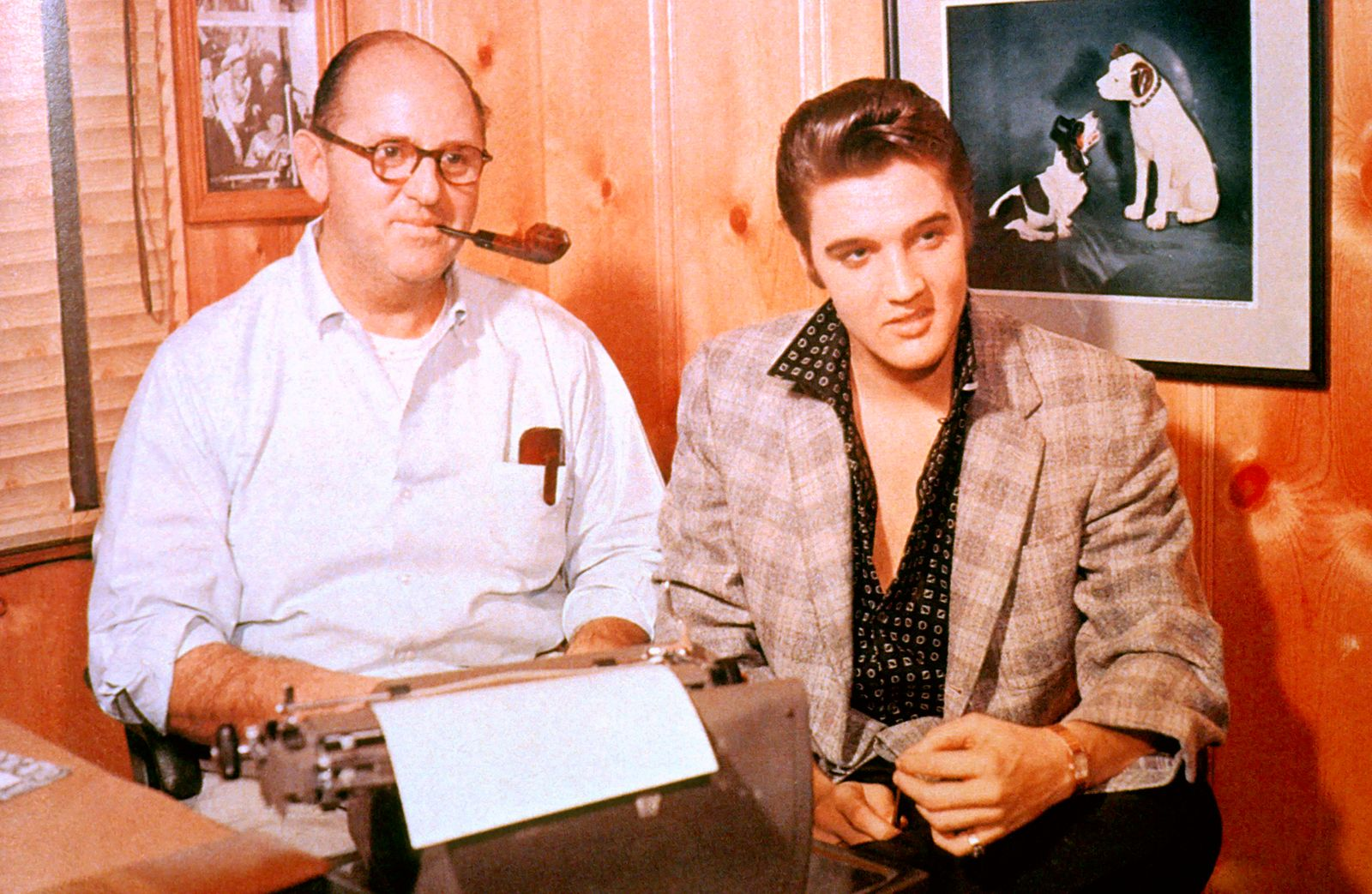 Elvis Presley - Photo of Colonel Tom PARKER and Elvis PRESLEY