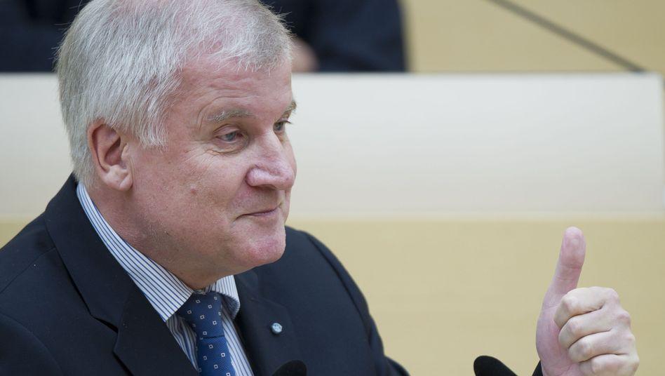 """CSU-Chef Seehofer: """"Kontrollen sind notwendig"""""""