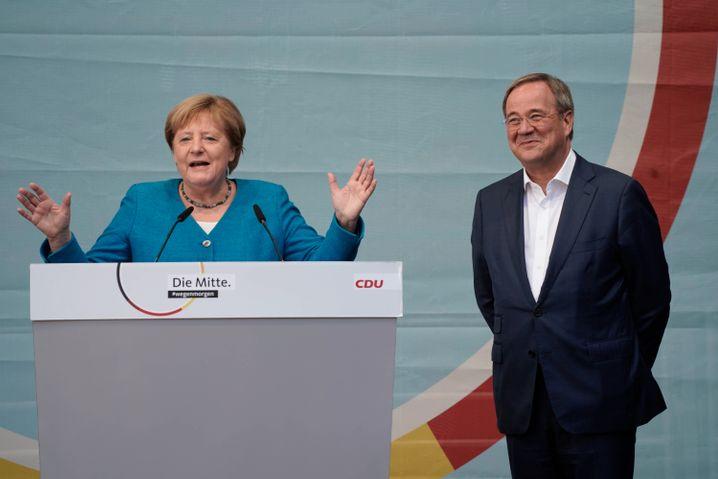 Angela Merkel und Armin Laschet in Aachen: »Es geht morgen darum, dass Deutschland stabil bleibt«