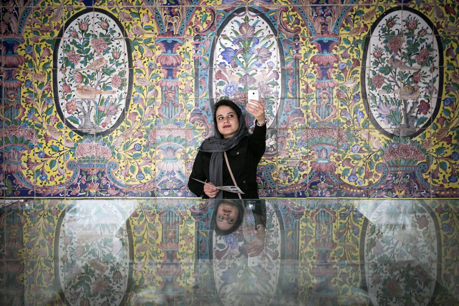 EINMALIGE VERWENDUNG Teheran/ Tourismus