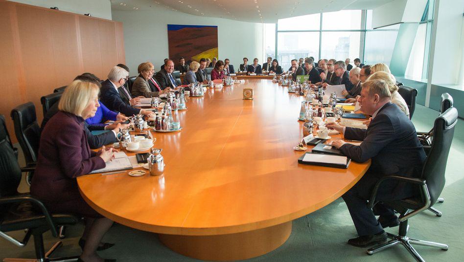 Bundeskabinett im Kanzleramt: Grenzen für V-Leute