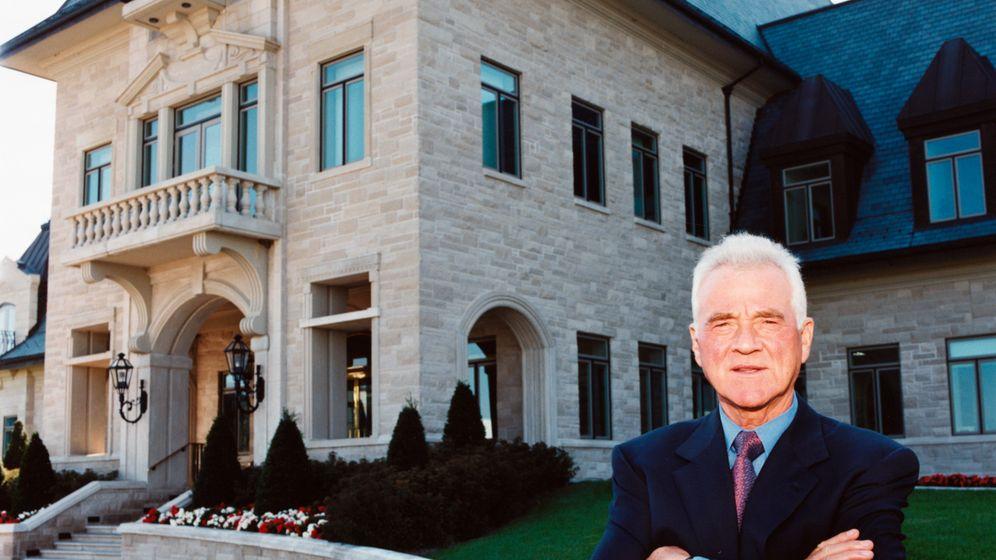 Frank Stronach: Vom Werkeugmacher zum Milliardär