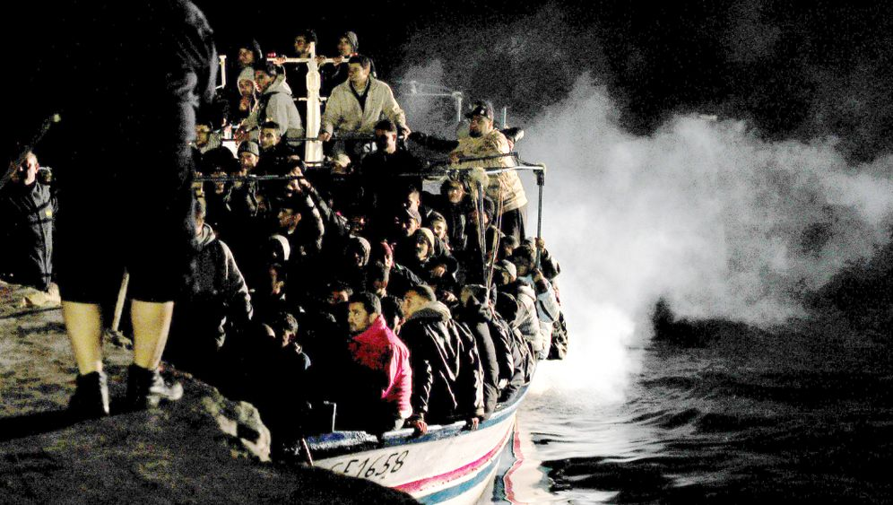 Photo Gallery: Risking Their Lives to Get to Europe