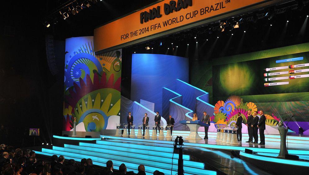 WM-Auslosung in Brasilien: Tamtam und Tanzeinlagen