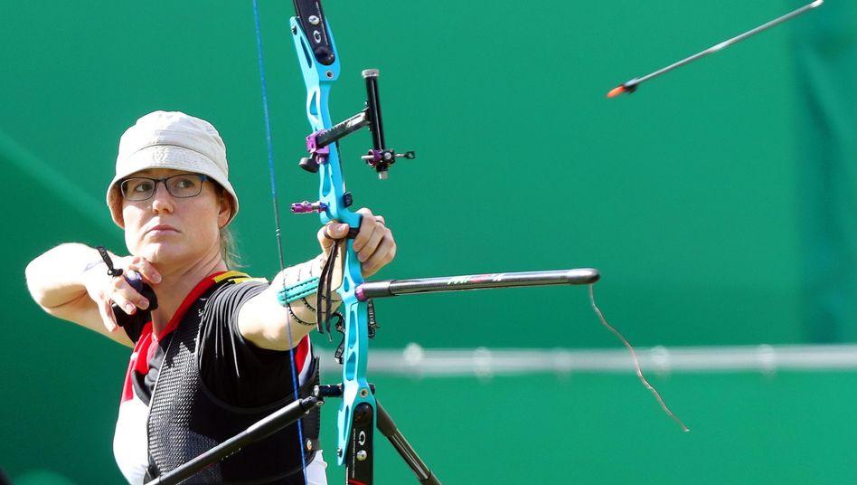 Bogenschützin Lisa Unruh kämpft im Olympiapark um Meisterehren