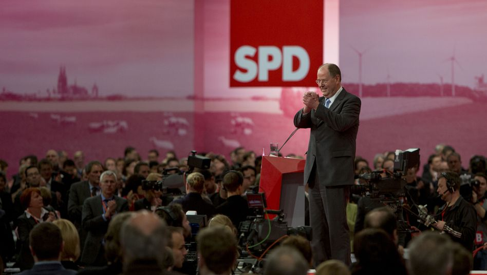 Peer Steinbrück tried to present himself as the perfect Social Democrat on Sunday.