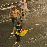 Flüchtende Fans in Wien: Unwetter in der Feierzon