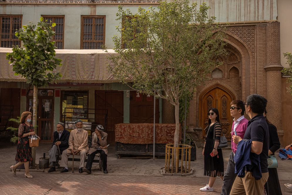 Tourists in the old town of Kashgar