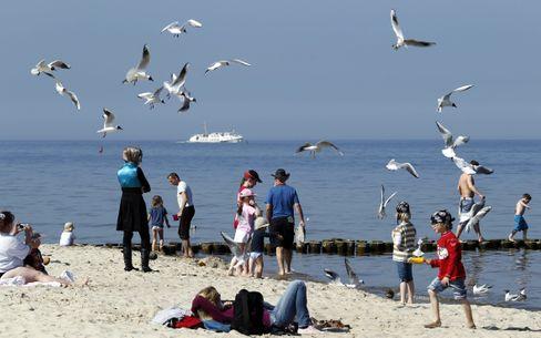 Strand in Mecklenburg-Vorpommern (Archivbild): Bald kommen wieder Besucher