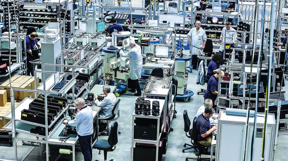 """Workers at the Dräger factory in Lübeck: """"Last weekend, the king of the Netherlands called."""""""