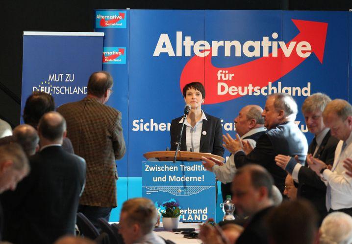 Petry beim AfD-Landesparteitag 2016