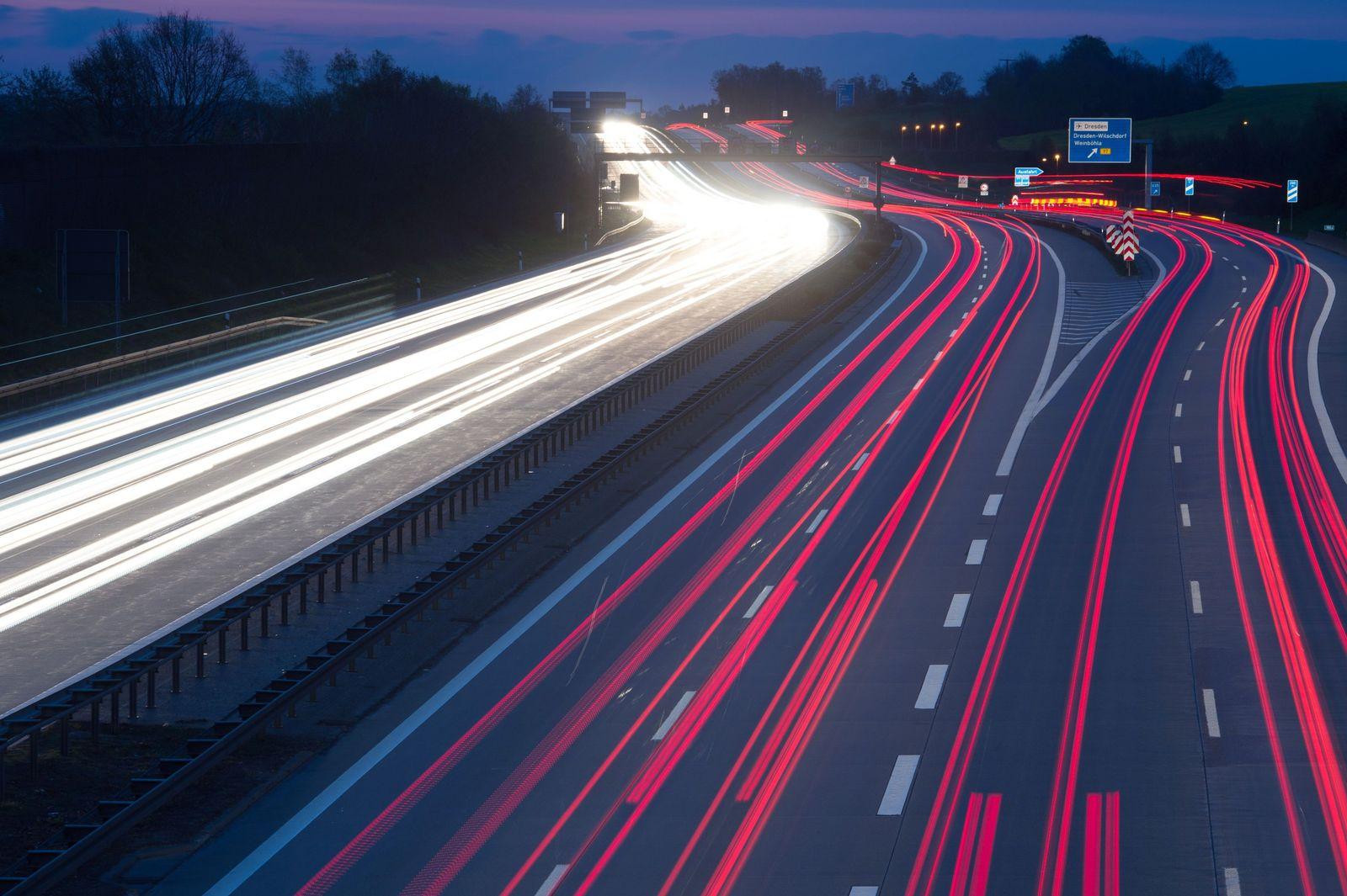 Verkehr auf der A4 / Autobahn