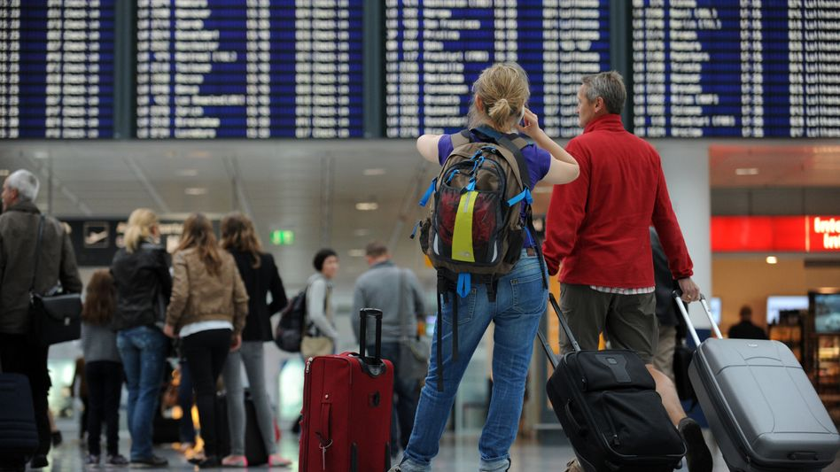 Warten auf den Abflug: Bei mehrstündiger Verspätung muss Airline zahlen