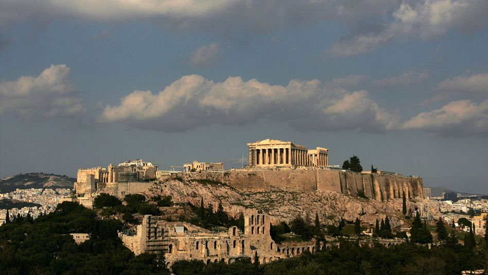"The Acropolis in Athens: ""We need to accept the fact that Greece and Ireland are bankrupt."""
