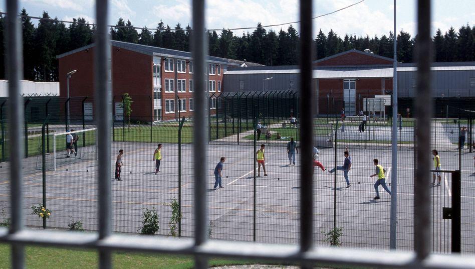 Innenhof des Abschiebegefängnisses Büren (Archivbild)