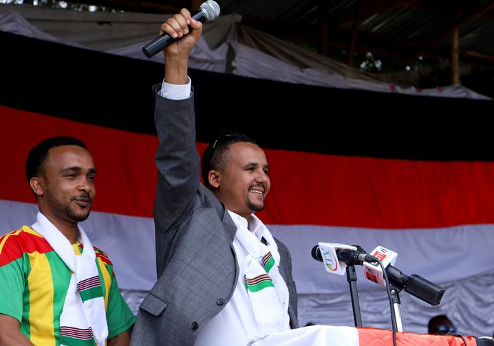 Jawar Mohammed (r.): Nach seiner Rückkehr im Oktober 2018 war er noch Unterstützer von Abiy