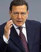 Schröder im Bundestag: Der Kanzler verteidigt seinen Atomkompromiss