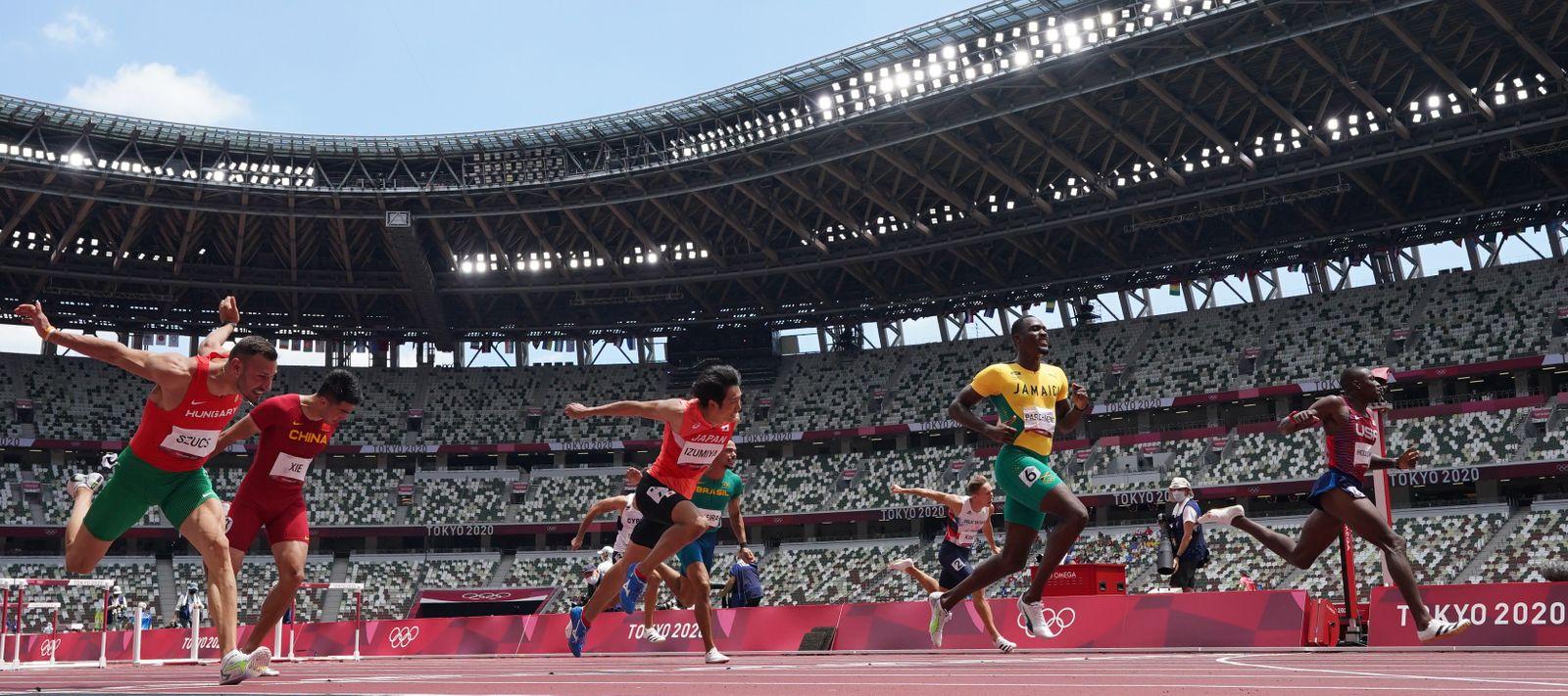 Athletics - Men's 110m Hurdles - Semifinal