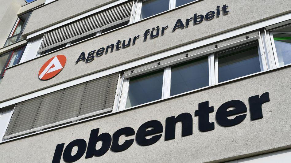 Jobcenter in Weimar: 23 Cent mehr am Tag