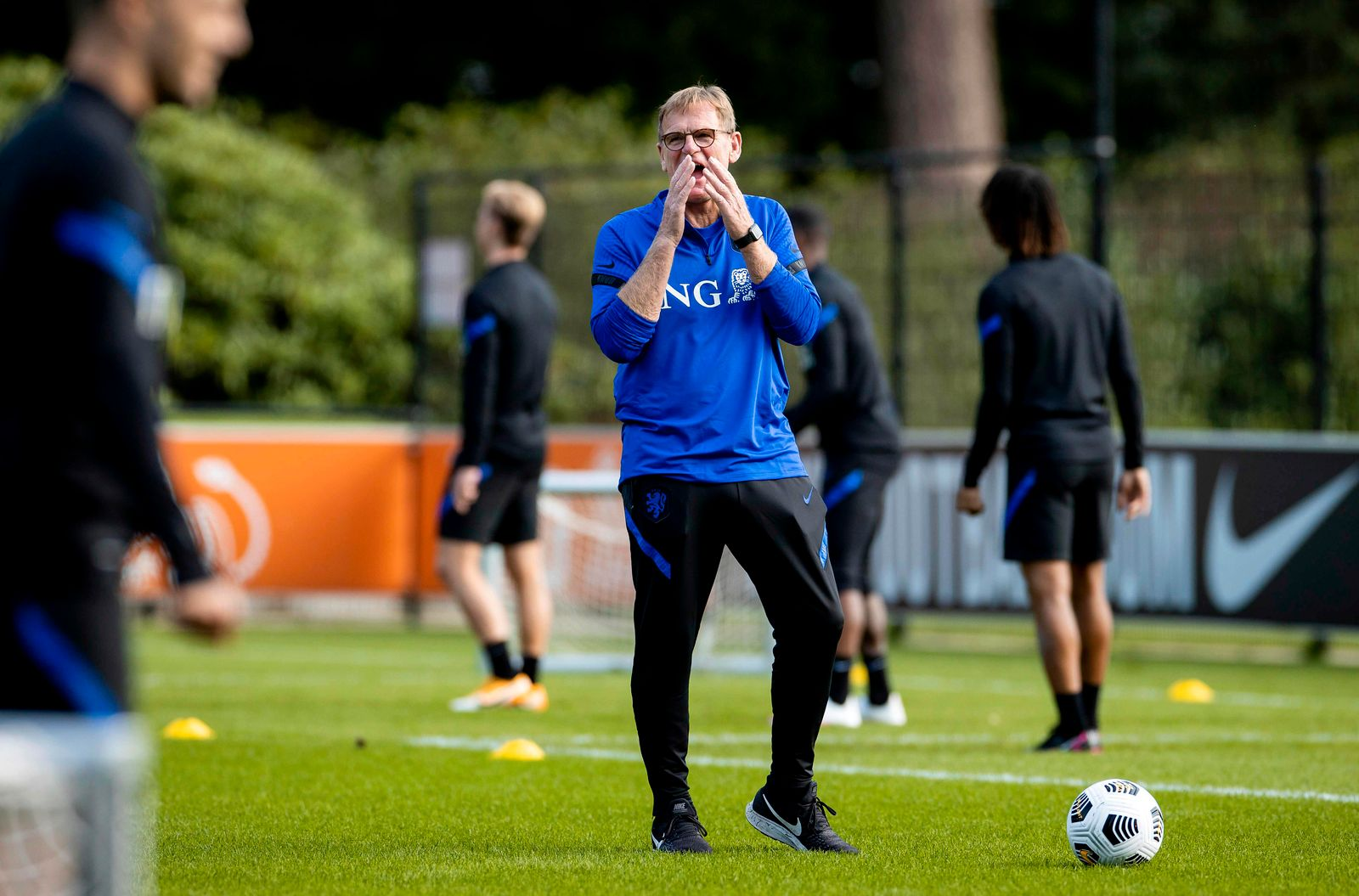 FBL-NATIONS-EUR-NED-TRAINING