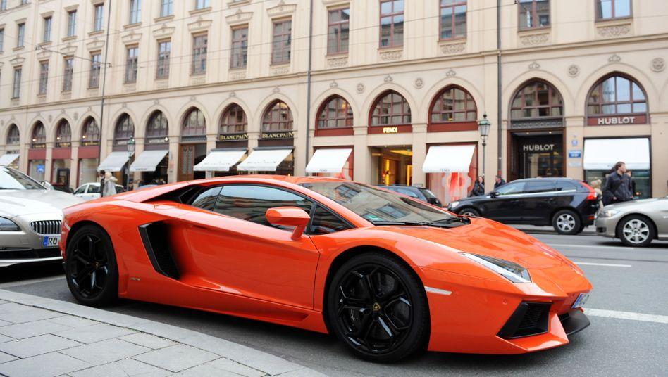Lamborghini in München: In Deutschland verdienen die obersten zehn Prozent der Einkommensbezieher 6,6-mal so viel wie die untersten zehn Prozent