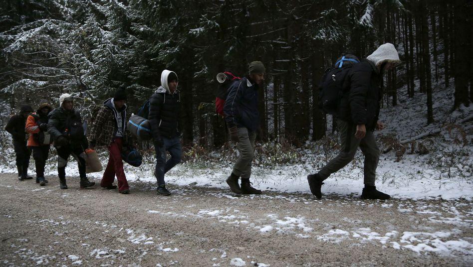 Flüchtlinge an der Grenze zwischen Kroatien und Bosnien-Herzegowina