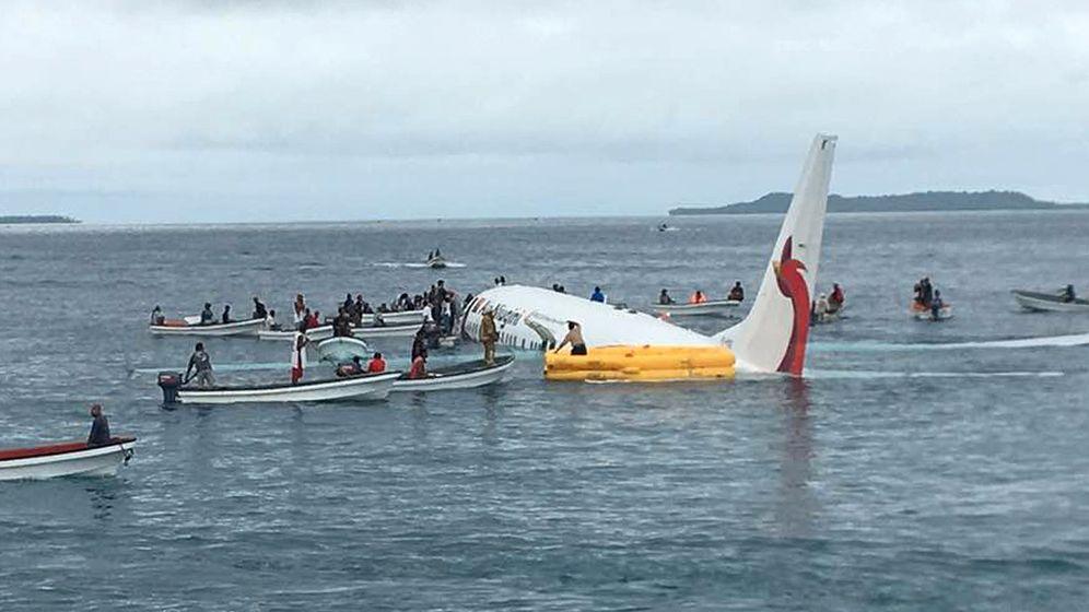 Flugzeug im Pazifik: Lagune statt Landebahn