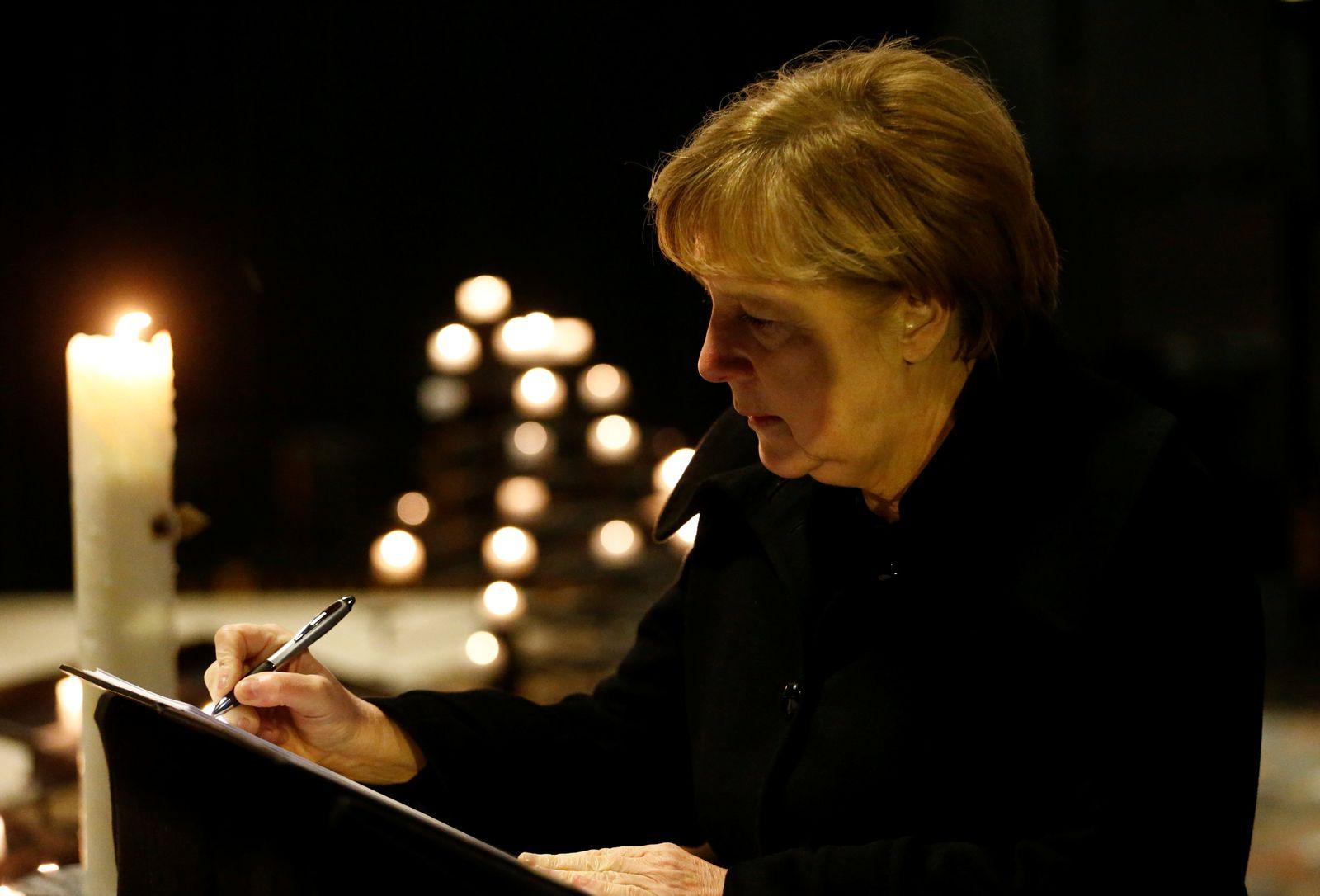 Berlin/ Breitscheidplatz/ Merkel/ Kondolenzbuch