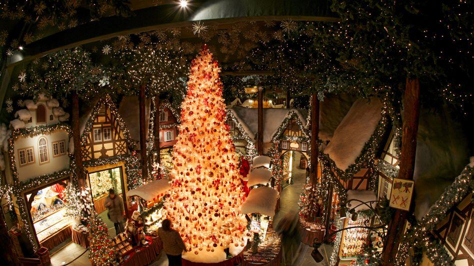 Hier ist das ganze Jahr Weihnachten: Käthe-Wohlfahrt-Filiale in Rothenburg ob der Tauber