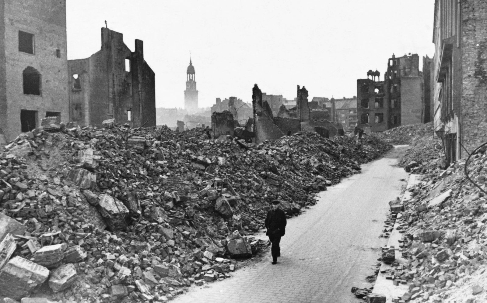 Destruction of Hamburg, 1945