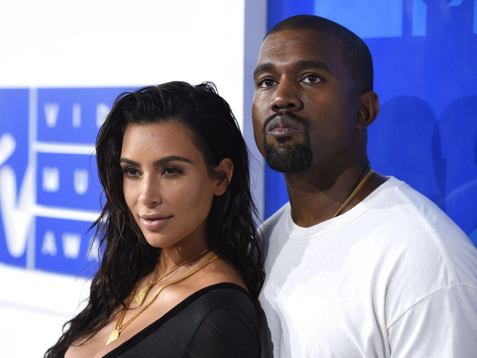 Kim Kardashian Und Kanye West über Drittes Baby Das Größte