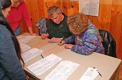 Stimmenauszählung in Hart's Location in New Hampshire: Knapper Ausgang zwischen Bush und Kerry