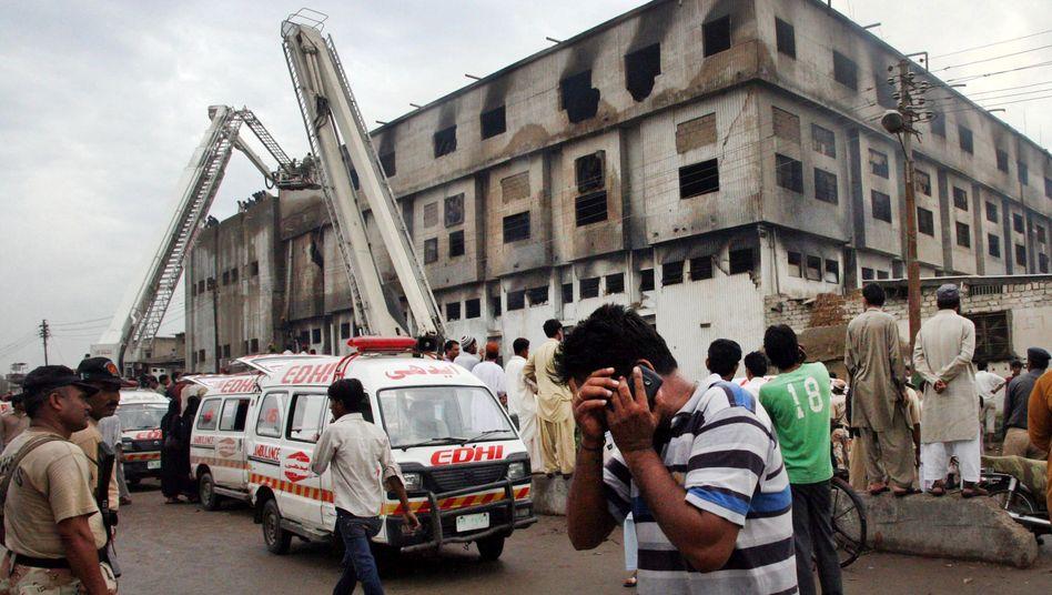 Blick auf die Textilfabrik in Karachi (Pakistan)