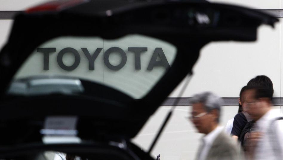 Besucher bei Toyota in Tokio: Zurück an der Weltspitze