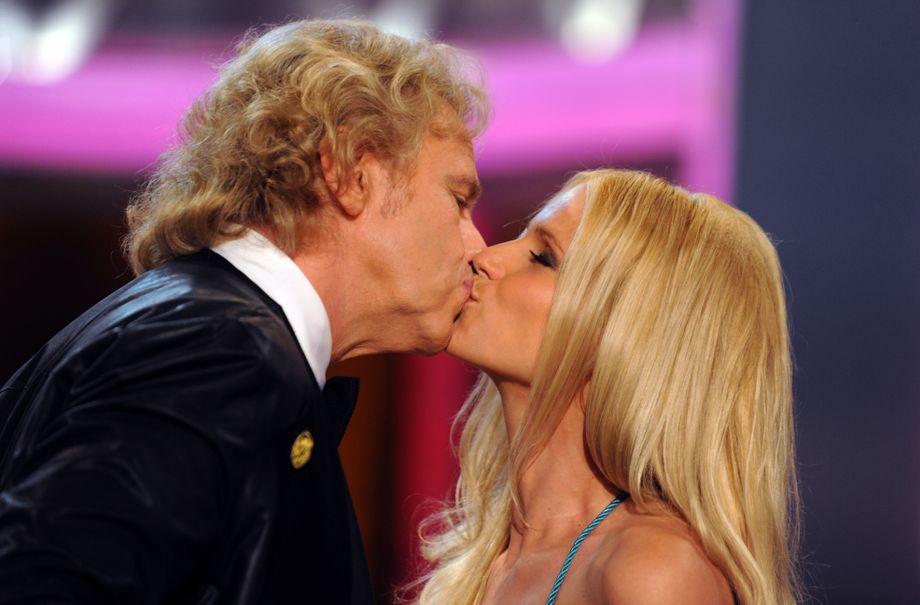 Heiß kuss berry Halle Halle Berry: