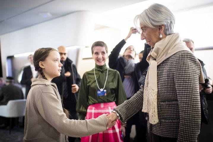 Christine Lagarde (r.) mit Klimaaktivistin Greta Thunberg in Davos