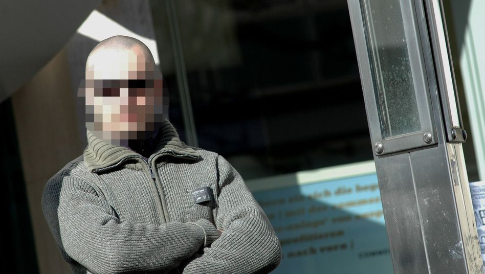"""Rechtsextremist Peter B. in Lübeck (2008): """"Schlicht wahnsinnig"""""""