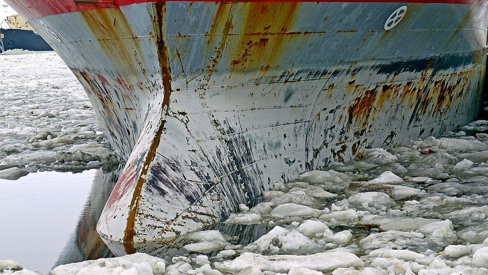 Ostseefahrt mit Containerschiff: Krachendes Packeis, dichter Nebel