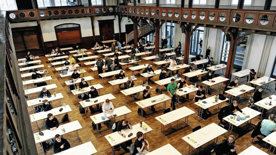 Abiturprüfung 2012(*) Kuddelmuddel der Kultusminister