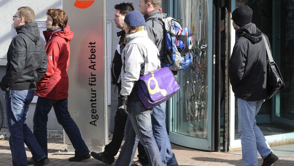 Arbeitsagentur: Zunahme der Joblosen gefährdet die Sozialkassen