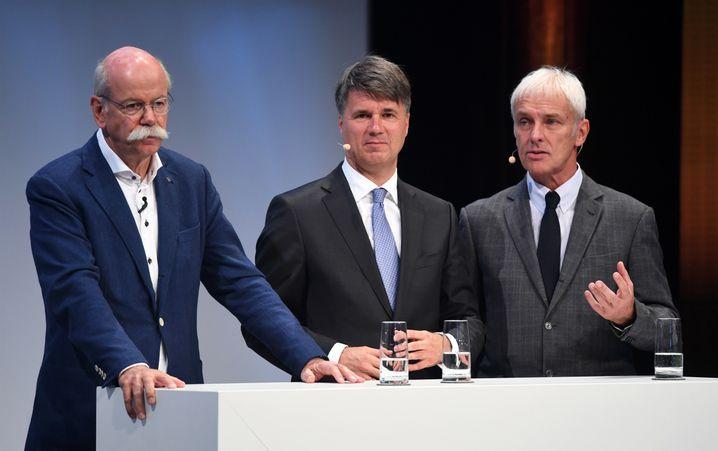Vorstandsvorsitzende Dieter Zetsche (Daimler), Harald Krüger (BMW), Matthias Müller (Volkswagen)