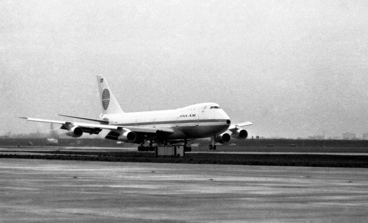 Eine Boeing 747 landet im Jahr 1970 in London-Heathrow - sie war in New York gestartet