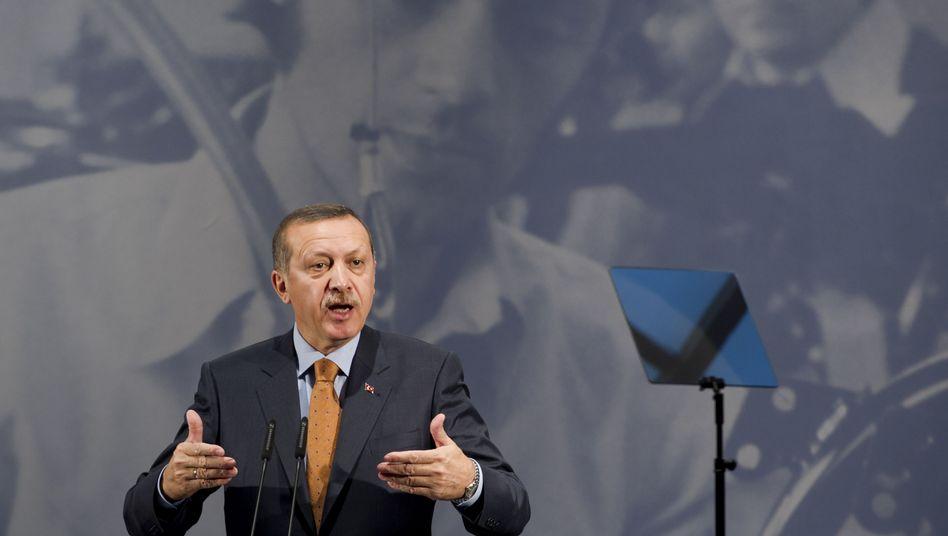 """Recep Tayyip Erdogan bei seiner Rede in Berlin: """"Wir gehören zusammen"""""""